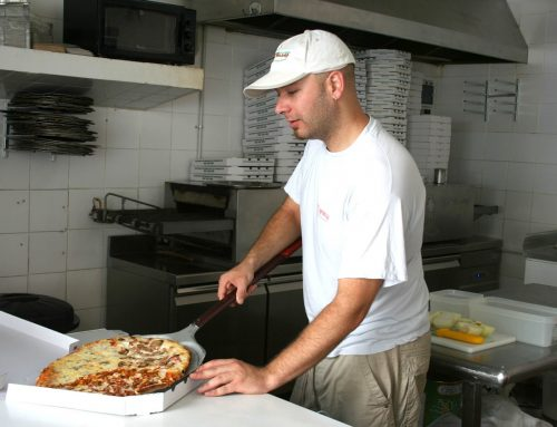 5 Reasons Pizza Delivery is the Best Dinner Option